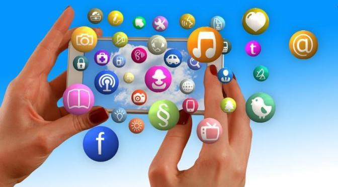 5 Alasan Kenapa Harus Bijak Membagikan Pesan WhatsApp Berbau Politik dan SARA